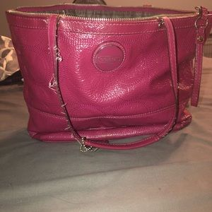 Coach F15142 Signature Patent Leather Tote Berry
